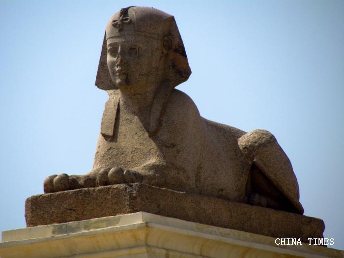 08庞贝石柱的狮身人面像.jpg