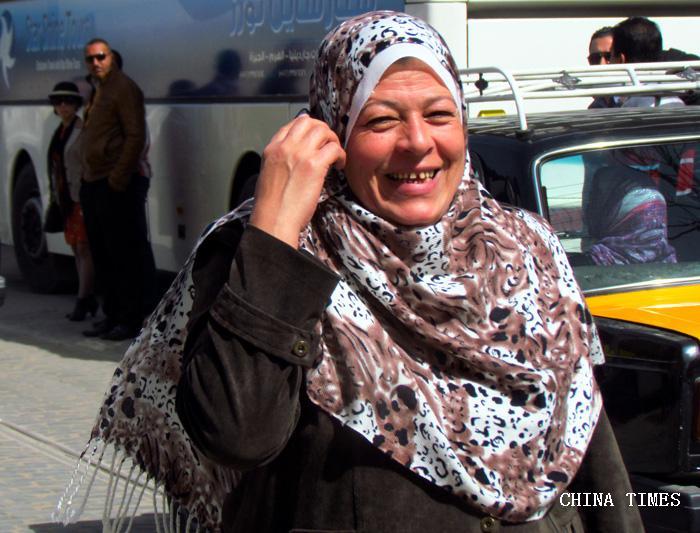 10快乐友善的埃及妇女(摄影:.jpg