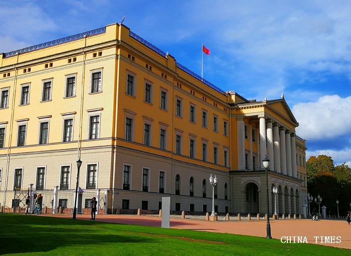 017挪威王宫2(摄影:冯赣勇.jpg