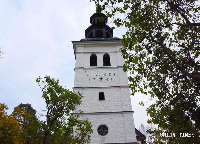 04古老教堂(摄影:冯赣勇).jpg