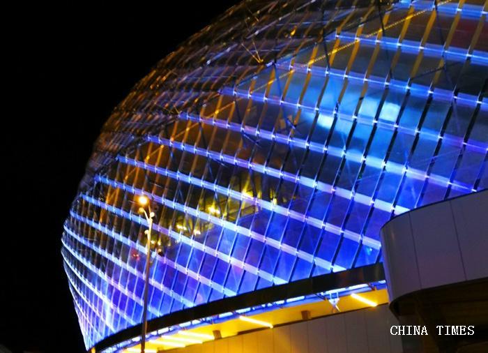 015城市夜景2(摄影:冯赣勇.jpg