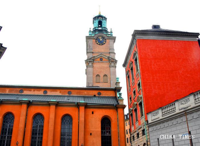049近观教堂钟楼(摄影:冯赣.jpg