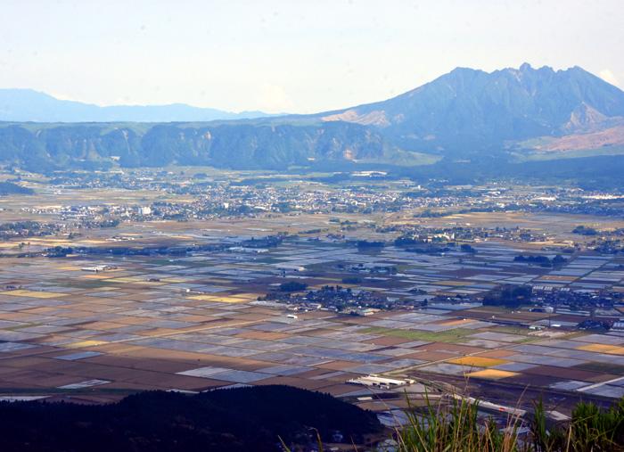 025俯瞰山下.jpg