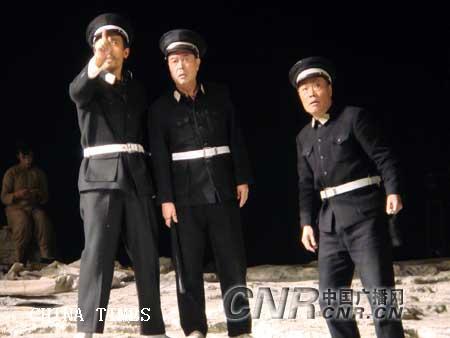 6剧中人巡警(李士龙、米铁增.jpg